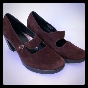 Dansko Women's Brown Suede Mary Janes size 38.5